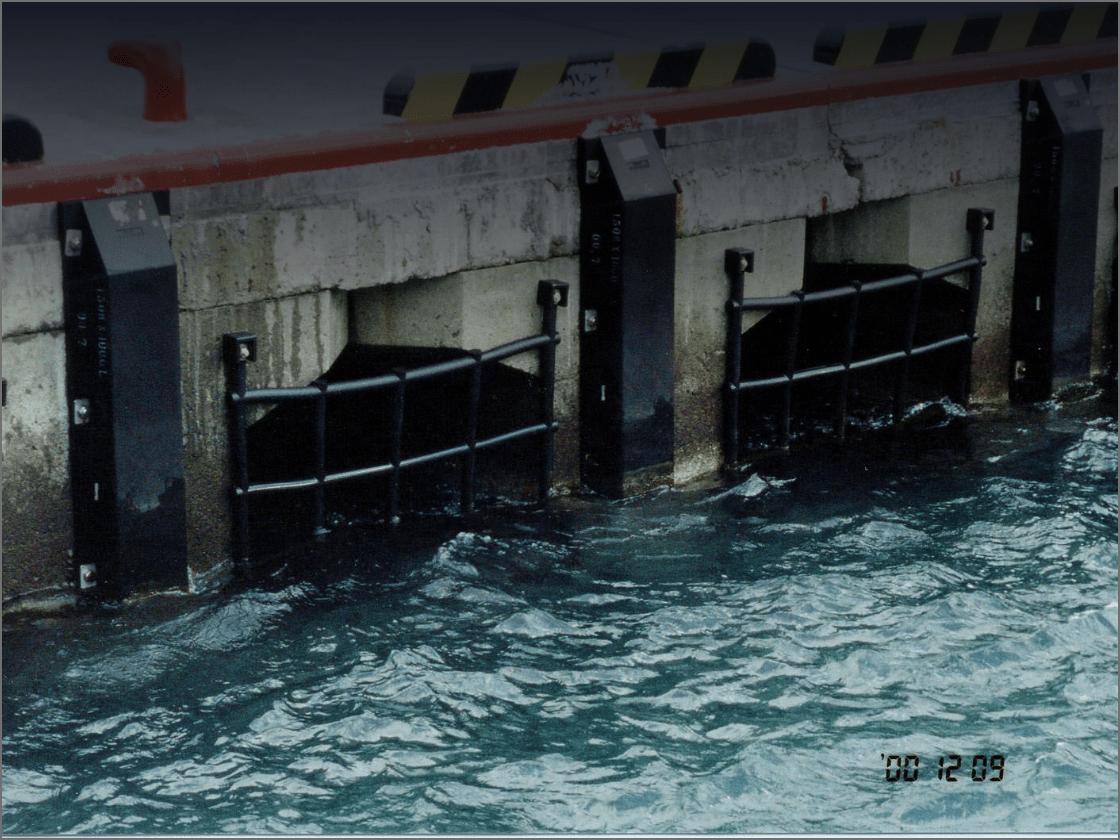 漁港用防舷材の画像