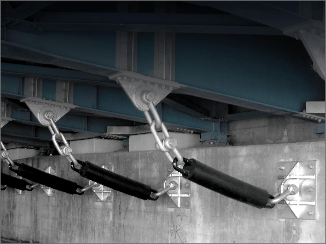 緩衝チェーン(落橋防止)の画像
