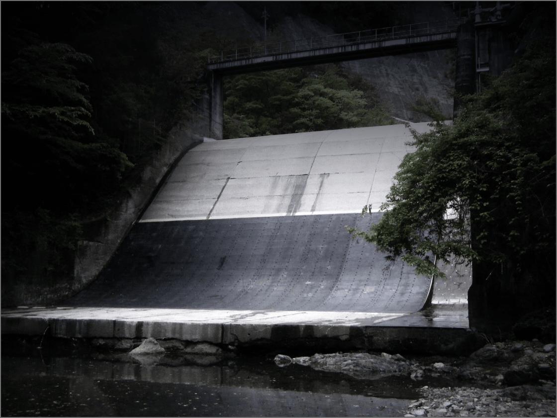 ラバースチール(保護材)の画像
