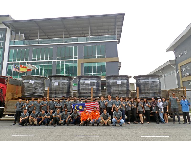マレーシア新工場 防舷材初出荷