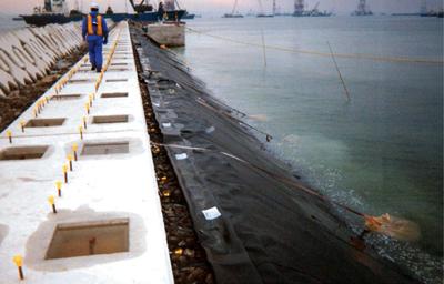海面埋立地の止水事例